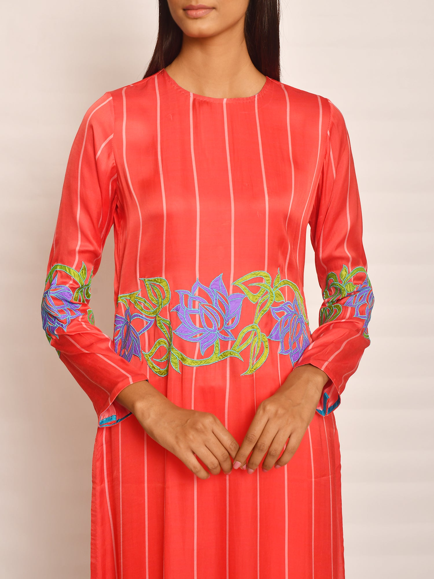 SCARLET STRIPE APPLIQUE KURTA