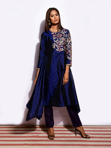 MOR NAVY ASYMMETRICAL KURTA WITH STRAIGHT PANTS