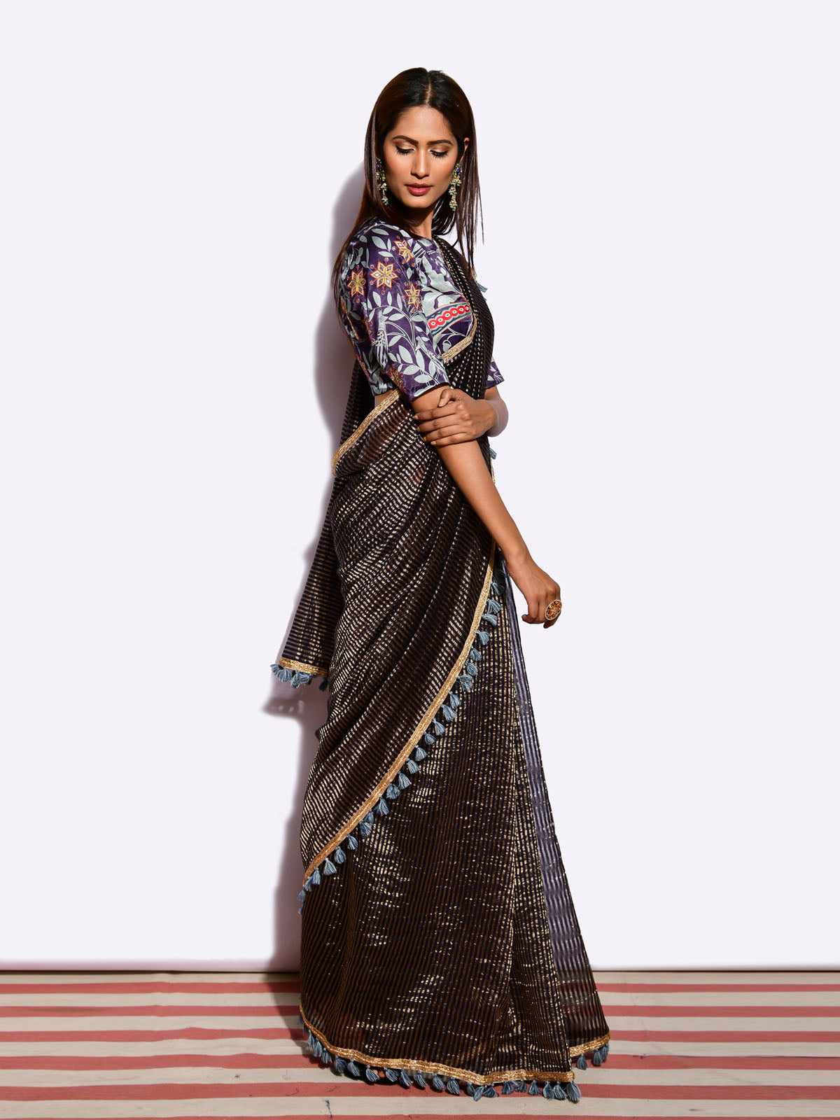 SUNHERI  SAREE WITH EMBROIDED BLOUSE