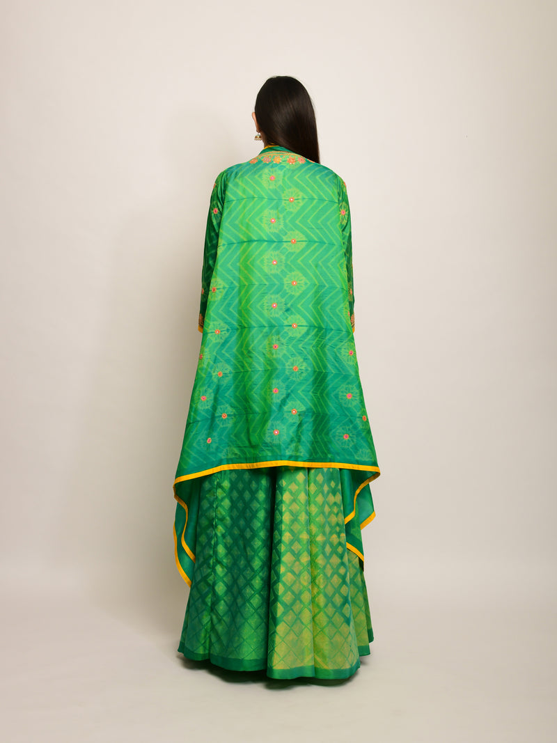 PATANG EMBRODIED SHIBORI GREEN LEHENGA CAPE SET