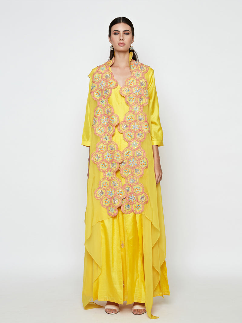 YELLOW PLEATED DRESS WITH YELLOW EMBROIDERED CAPE
