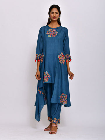 MORIYA EMB KURTA WITH DHOTI PANTS