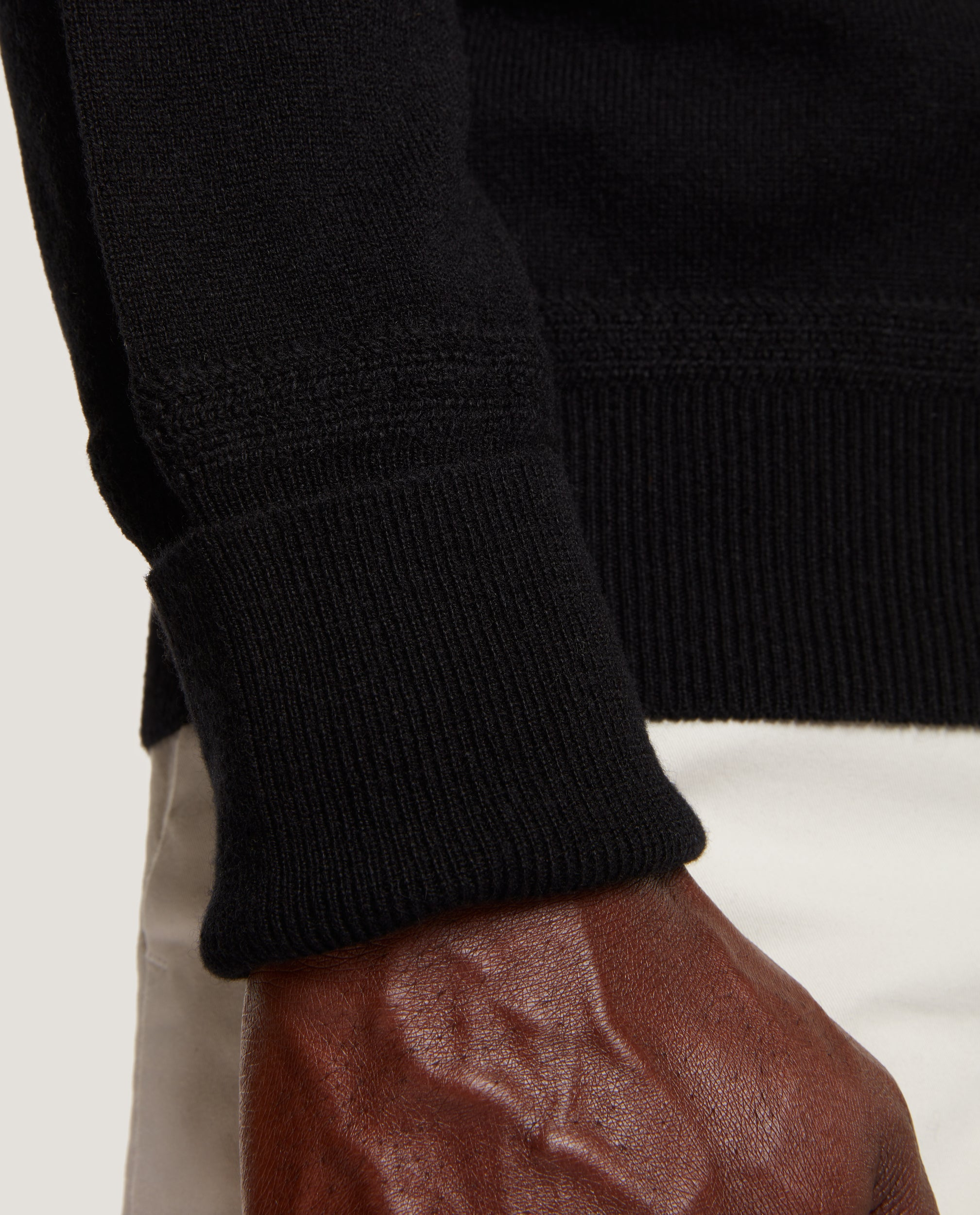 CESAIRE Crewneck sweater | 100% Cashmere | Black