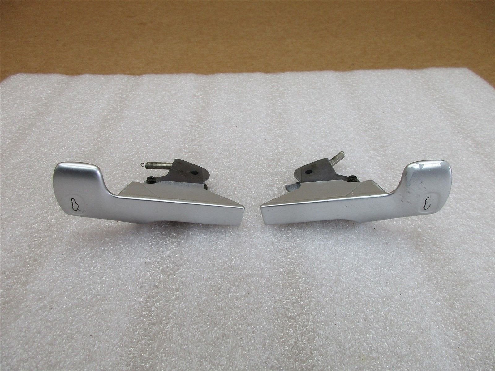 00 Carrera 911 RWD Porsche 996 Cabrio DOOR SILL SWITCHES Silver 86,352