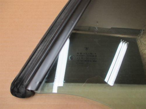 00 Carrera 911 RWD Porsche 996 Cabrio L Rear QUARTER GLASS WINDOW PANEL 86,352