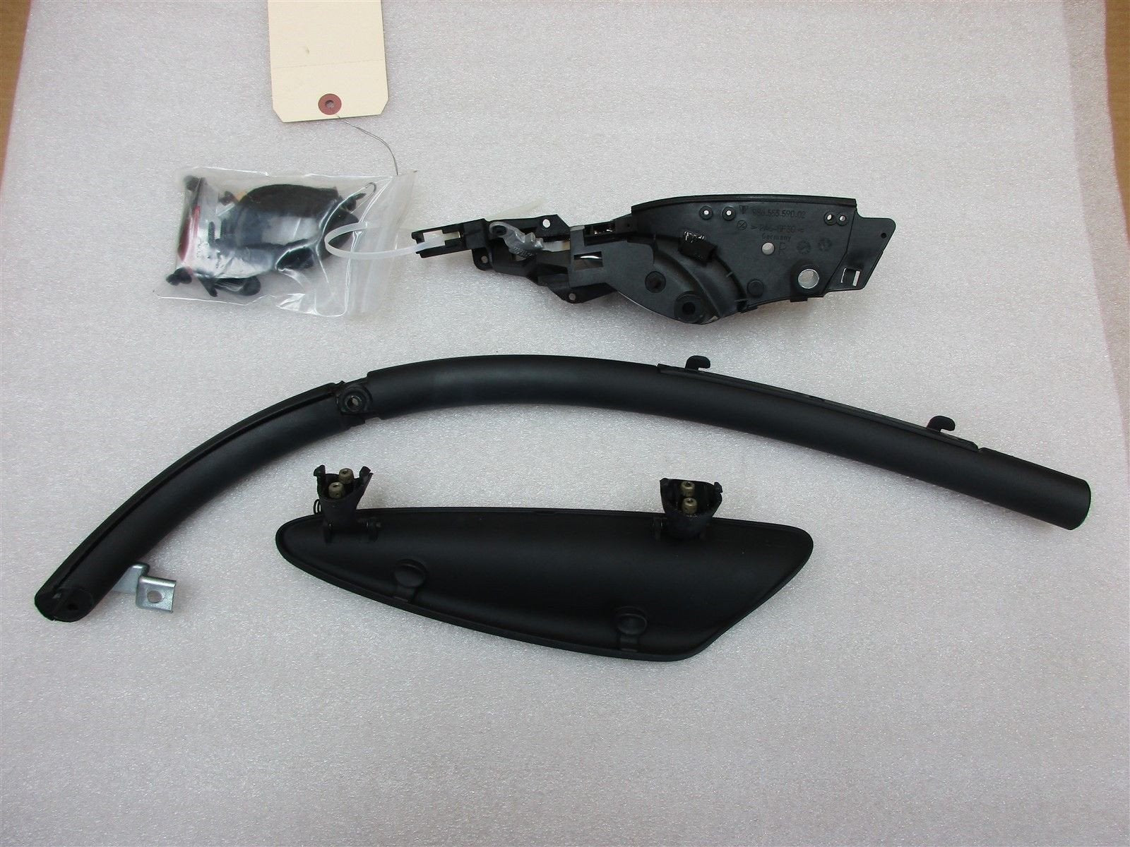 01 Boxster Porsche R Black Silver INTERIOR DOOR PANEL HANDLE 98655562202 26,025