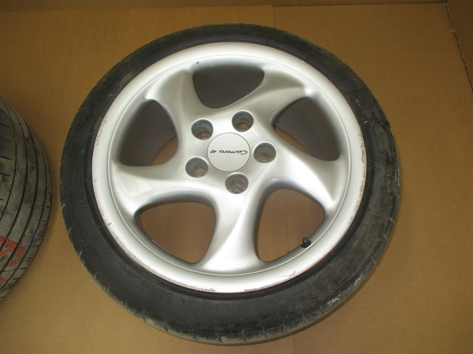 01 Carrera 4 911 Porsche 996 REAR STN RIMS WHEELS 10Jx18ET65 99336214004 55,659