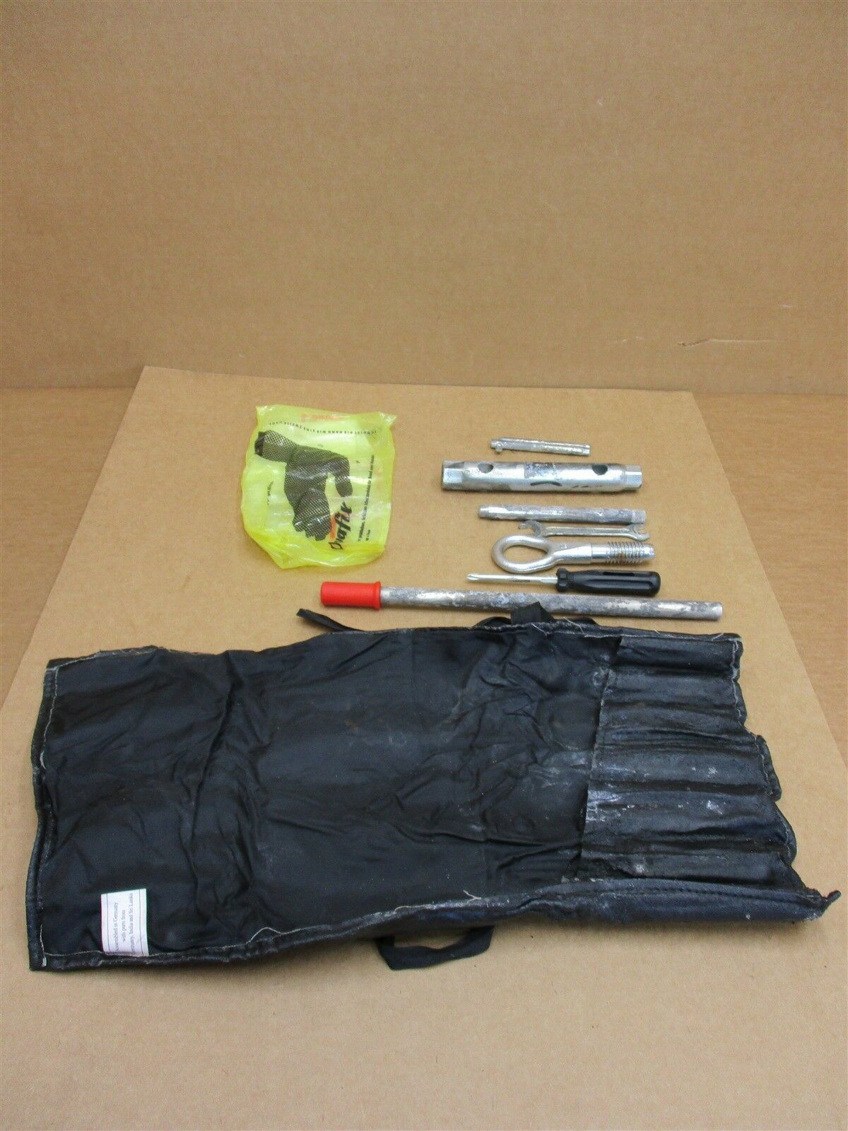 02 Boxster S RWD Porsche 986 TOOL SET + Black BAG Wrench 49,293