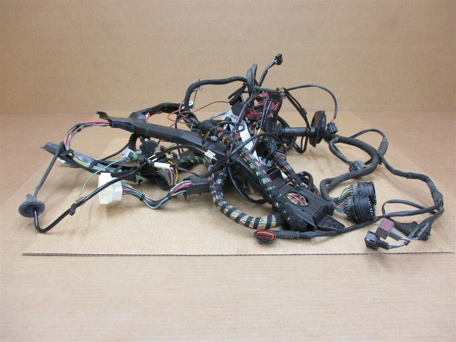 02 Carrera 4S 911 AWD Porsche 996 REAR WIRING HARNESS 99661017201 RELAYS on engine harness, obd0 to obd1 conversion harness, pony harness, dog harness, suspension harness, oxygen sensor extension harness, cable harness, fall protection harness, amp bypass harness, electrical harness, pet harness, maxi-seal harness, nakamichi harness, alpine stereo harness, battery harness, safety harness, radio harness,