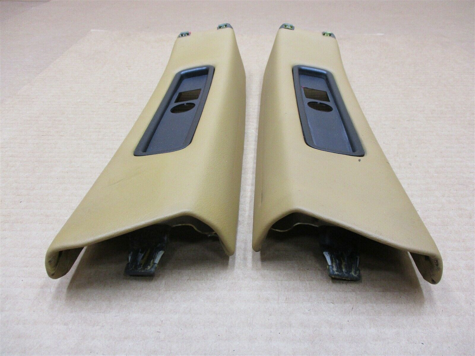 02 Carrera 4S 911 Porsche 996 Coupe SEAT BELT PILLAR TRIMS 99655552701 153,363