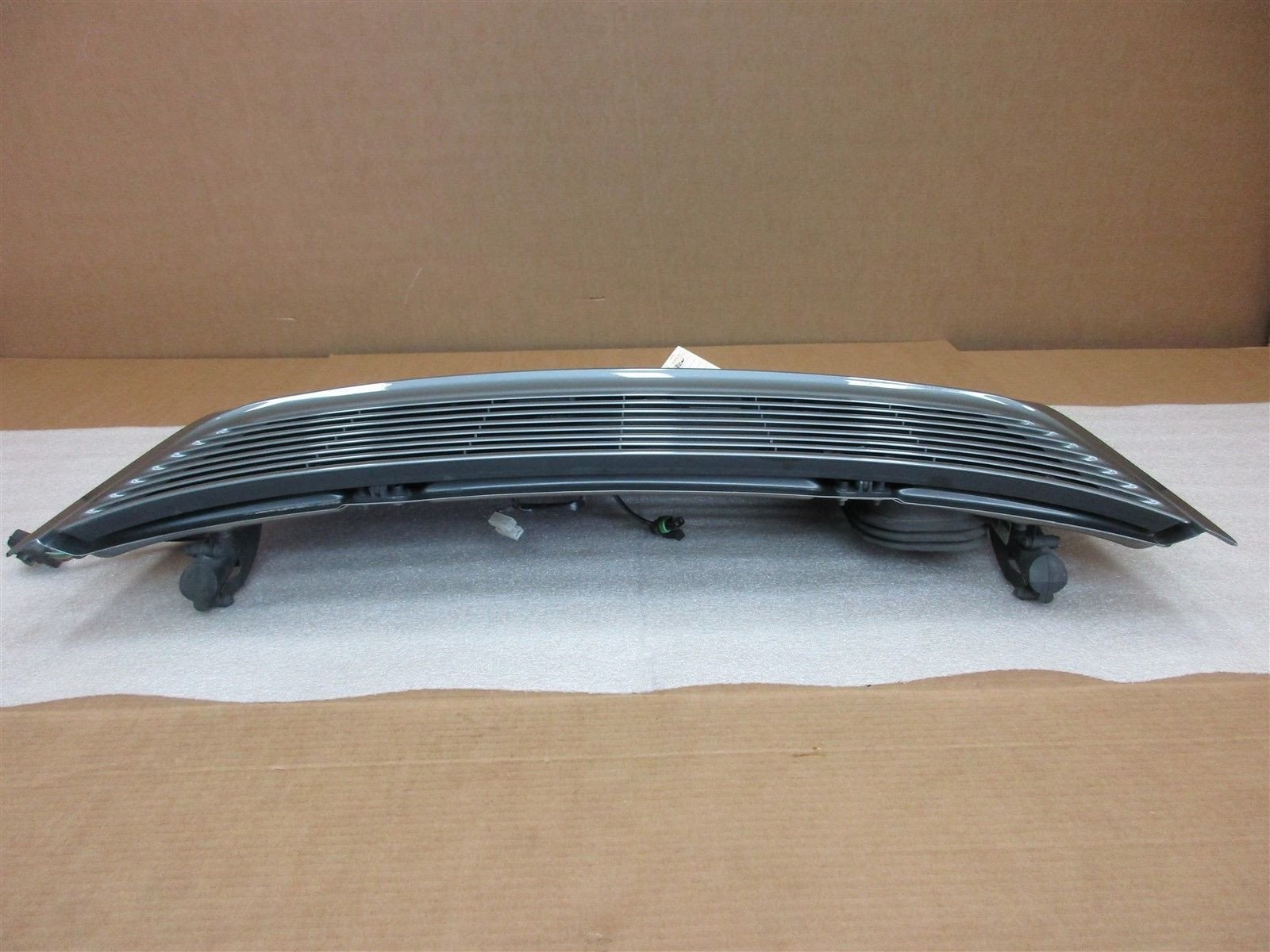 02 Carrera 911 RWD Porsche 996 Coupe REAR SPOILER TRIM COVER 99651221300 83,396