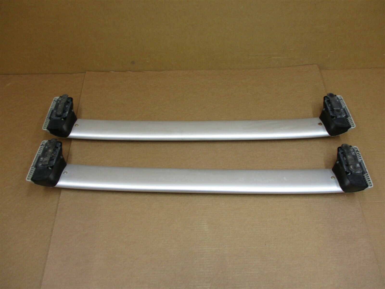 04 Cayenne Turbo AWD Porsche 955 L R EXTERIOR ROOF RAIL GUIDE TRIMS 89,934