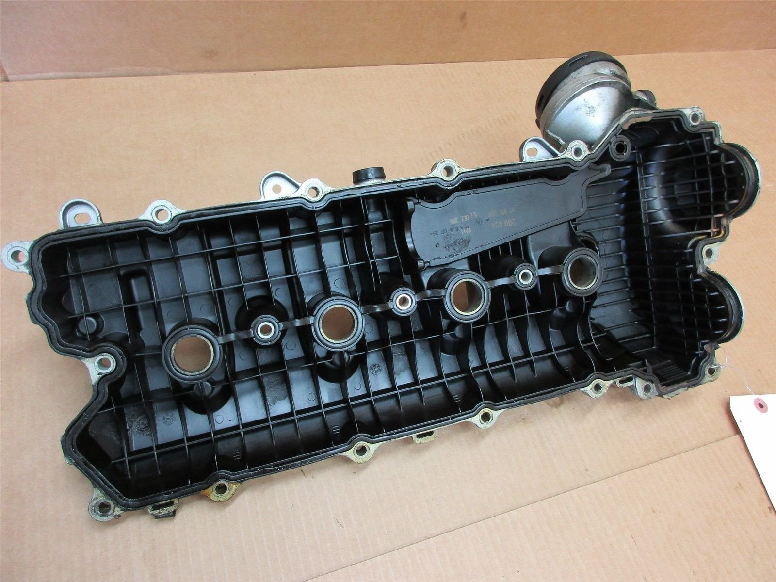 04 Cayenne Turbo Porsche Engine 4.5 L CYLINDER HEAD VALVE COVER CAMSHAFT 256,206