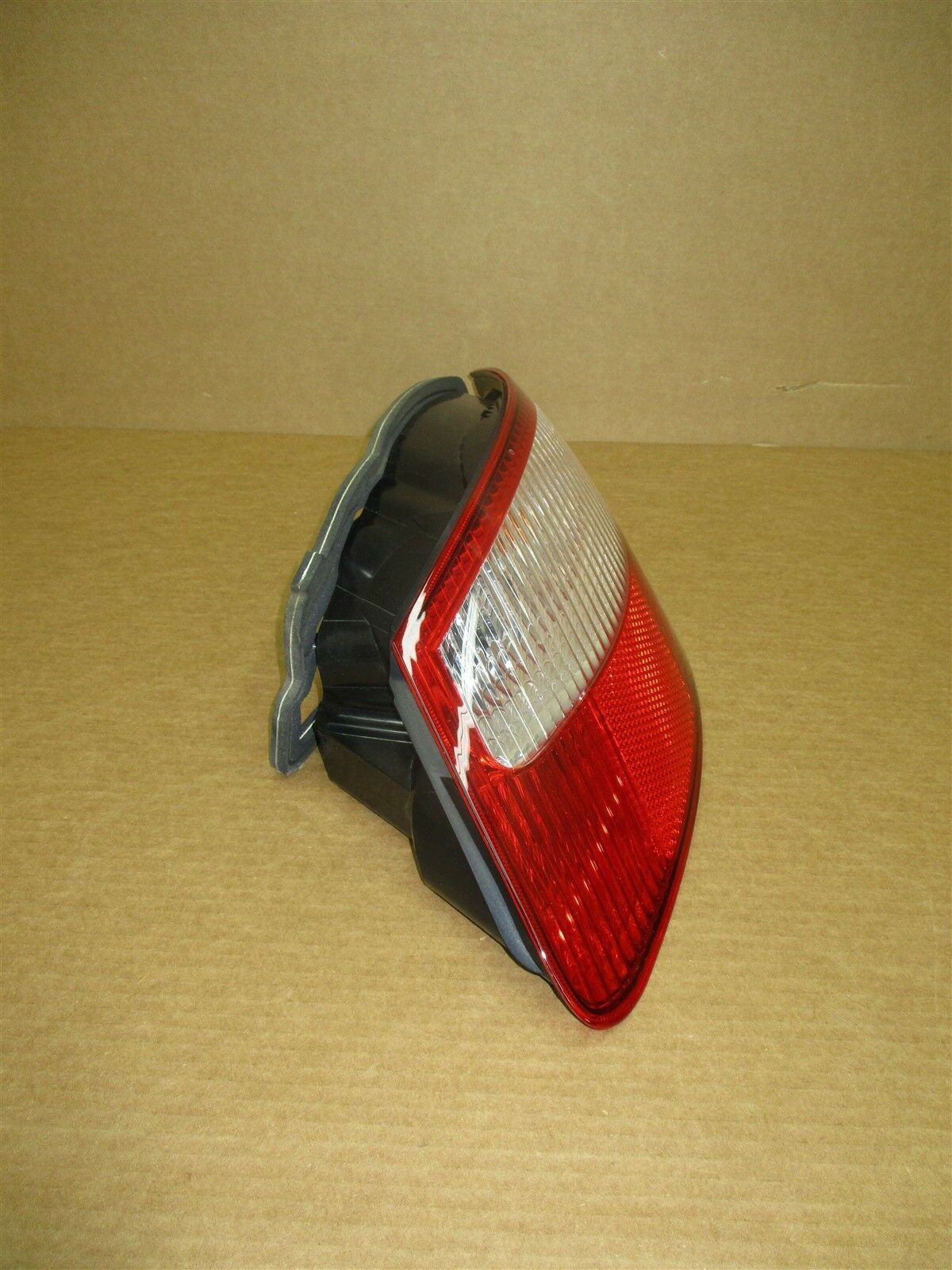 05 Boxster S RWD Porsche 987 R TAIL LIGHT TAILLIGHT 98763142402 PASSENGER 18,643