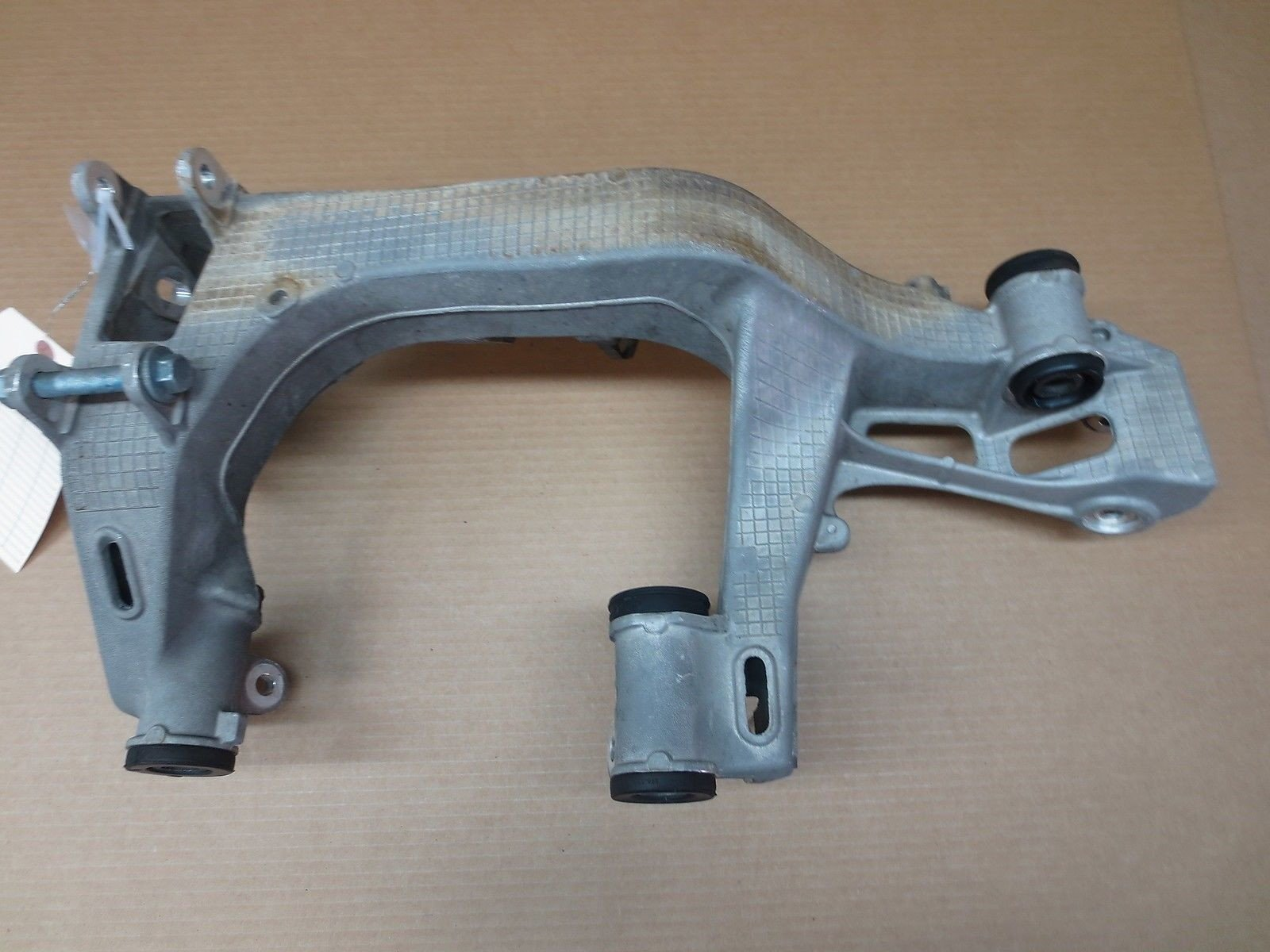 05 Carrera 911 Porsche 997 R Rear SUBFRAME 99733115203 suspension Bracket 16,012