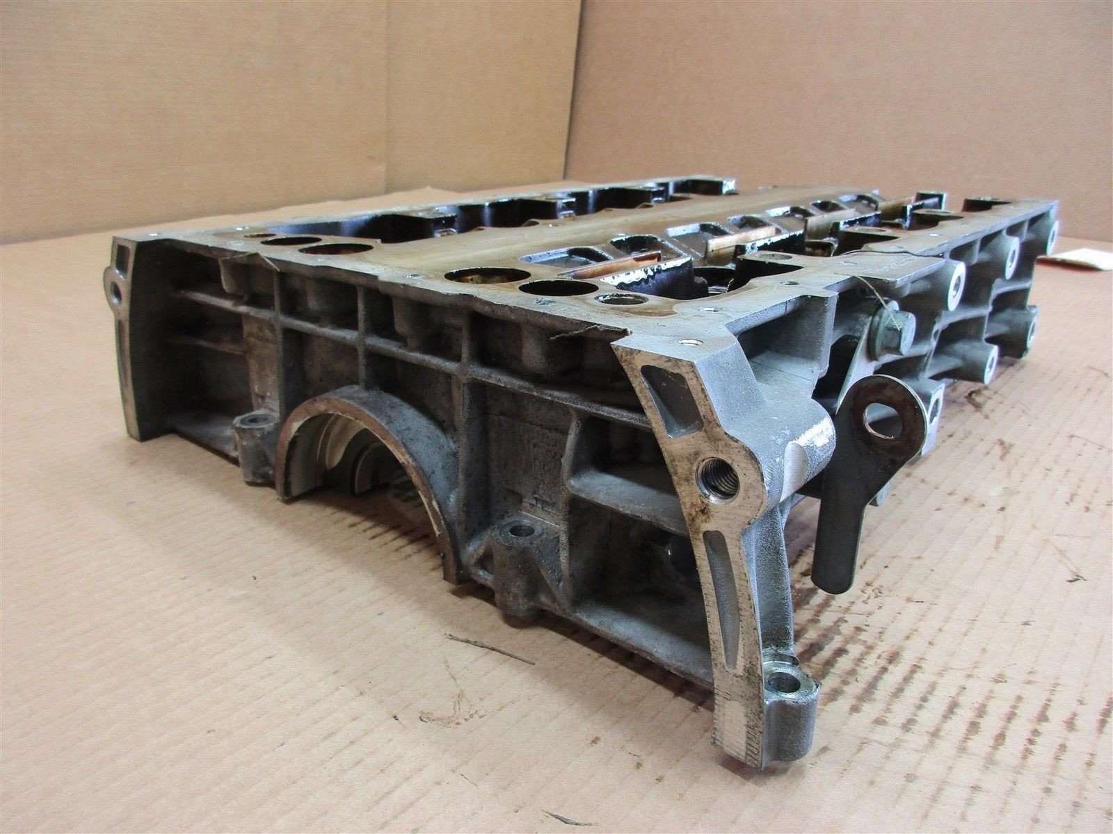 05 Cayenne Turbo AWD Porsche 955 Engine 4.5 CRANK CASE HOUSING 160,149