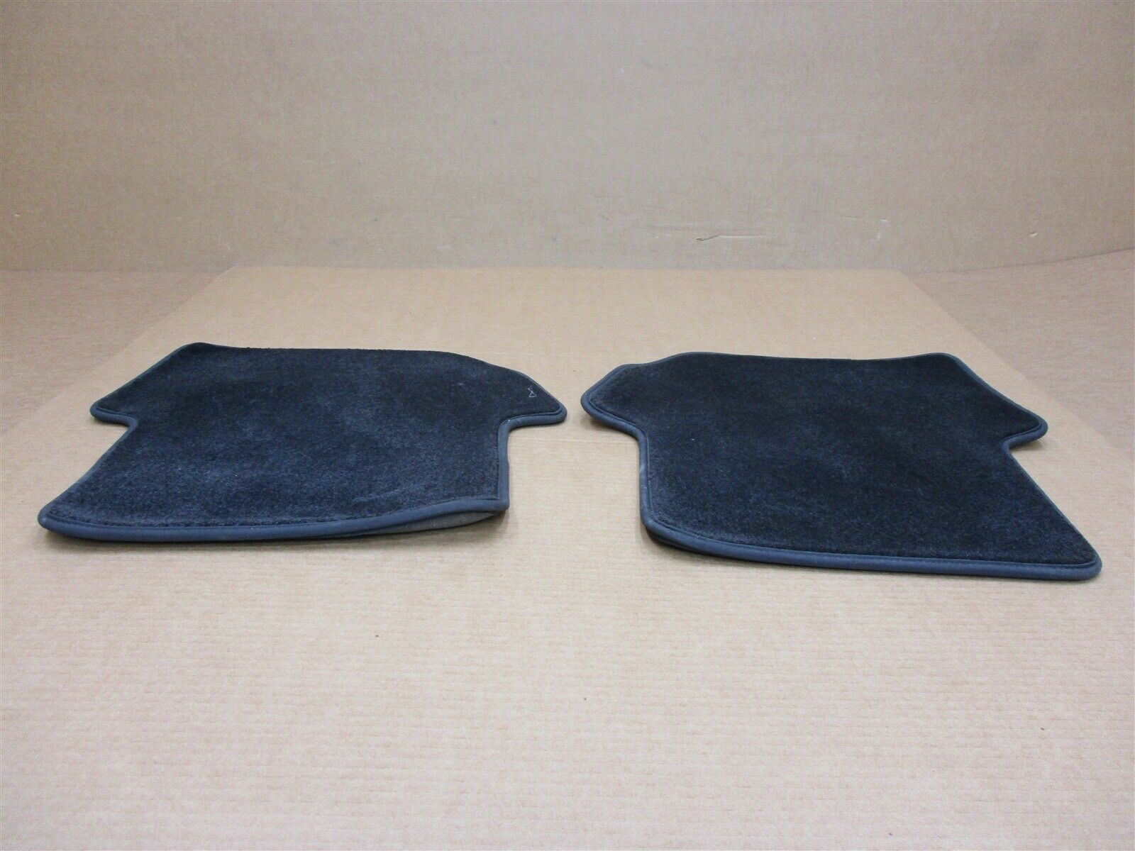 06 Carrera S 911 RWD Porsche 997 Coupe L R REAR FLOOR MATS CARPET 84,428