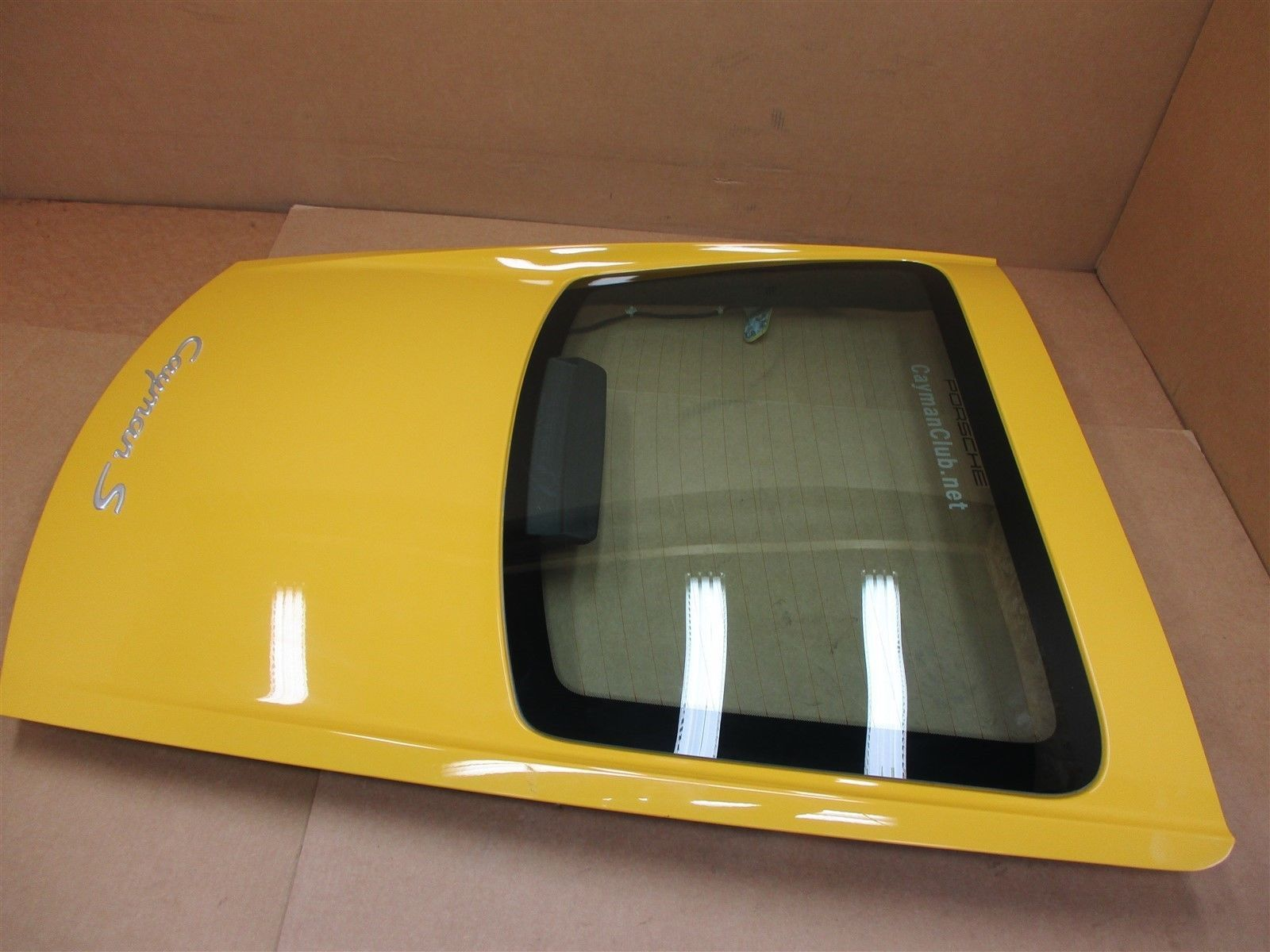 06 Cayman S RWD Porsche 987 REAR EXTERIOR HATCH TRIM 98761267000 WINDOW 53,571