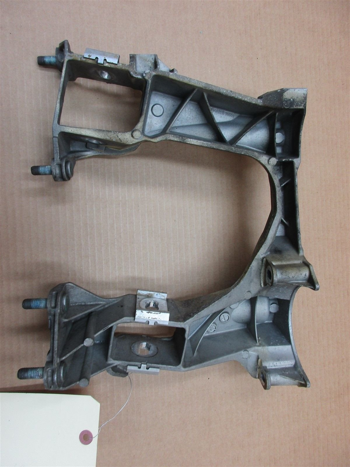 07 Cayman S RWD Porsche 987 R RIGHT REAR SUBFRAME BRACKET 98733115204 72,406