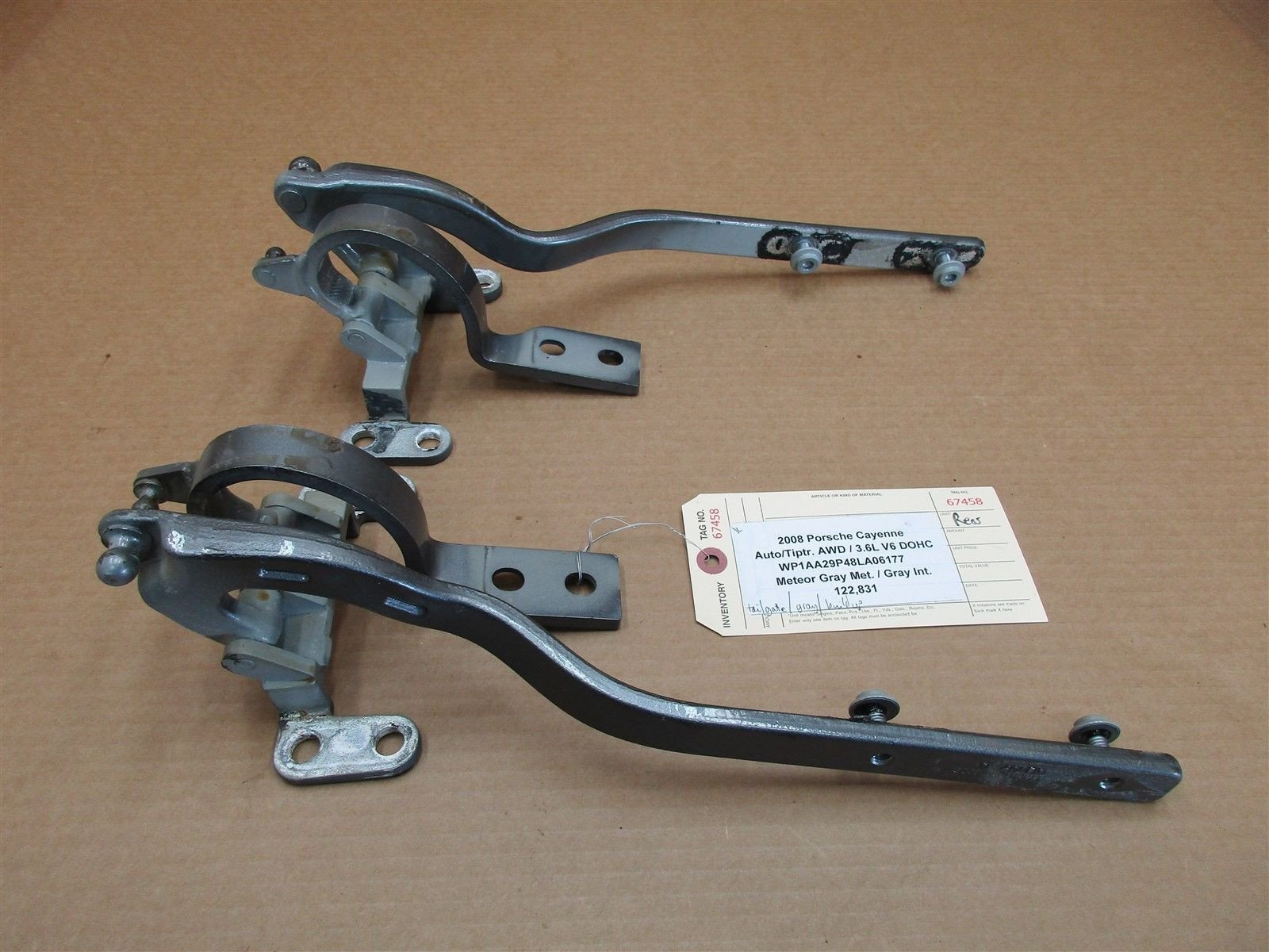 08 Cayenne AWD Porsche 957 2 REAR TAIL GATE HINGES 7L5827302B 7L5827301C 122,831