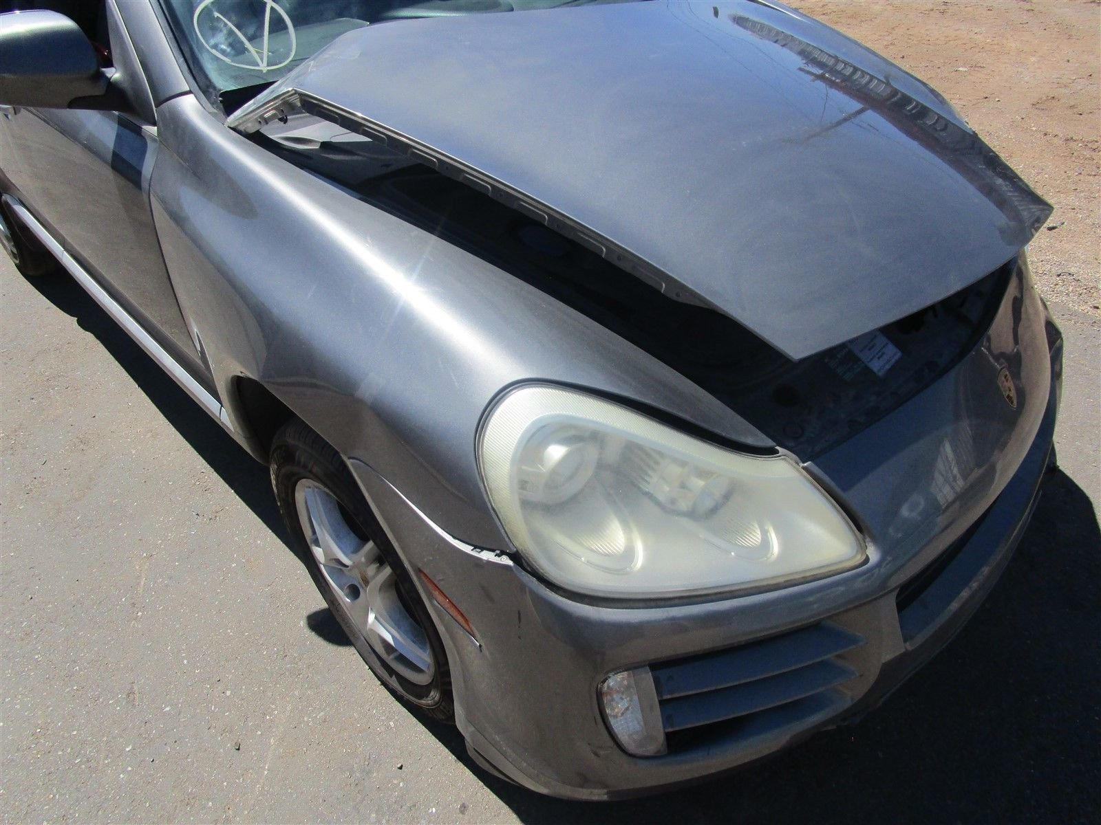 08 Cayenne AWD Porsche 957 Parting Out parts car 122,831