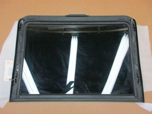 12 Cayenne AWD Porsche 958 FRONT GLASS SUNROOF 7PO877055 8,275