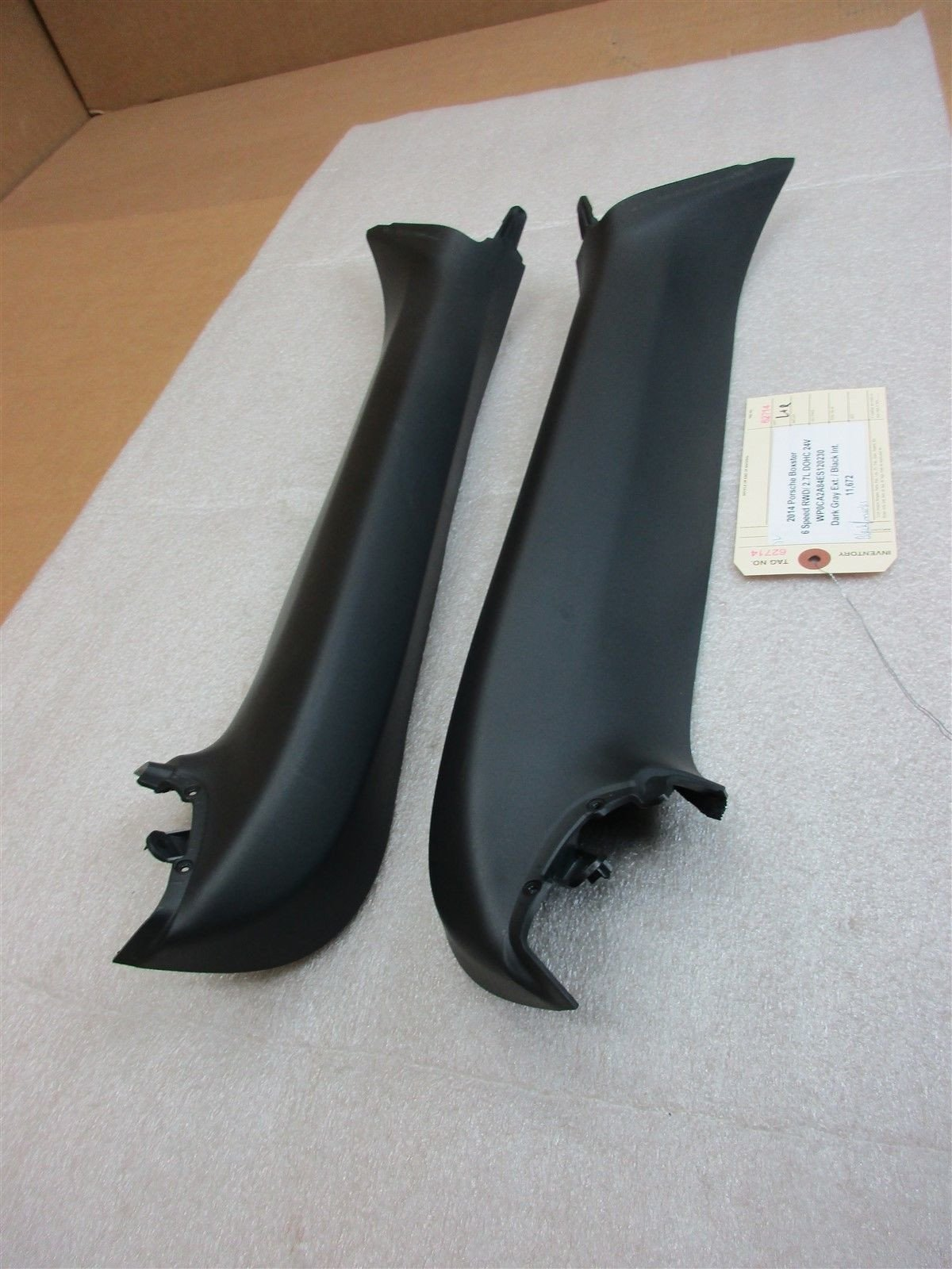 14 Boxster Porsche 981 L R Black A-PILLAR TRIMS 981555181061 981555182061 11,672