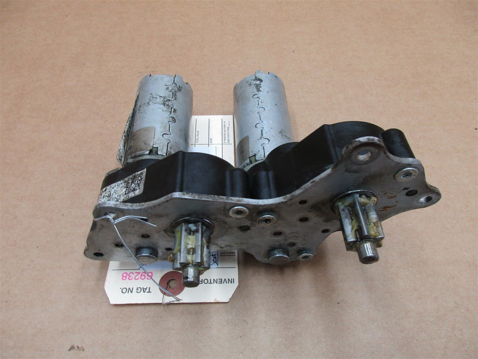 14 Panamera 4S Turbo AWD 970 Porsche R FRONT SEAT MOTORS 97052101831 16 N/A