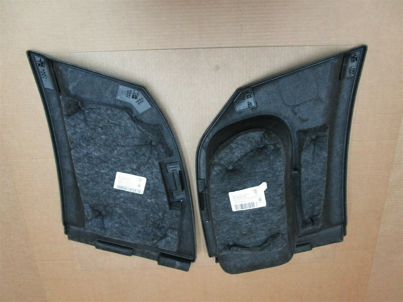 16 Macan S RWD Porsche L R REAR CARPET TRUNK TRIMS 95B863989ZP4 22,214