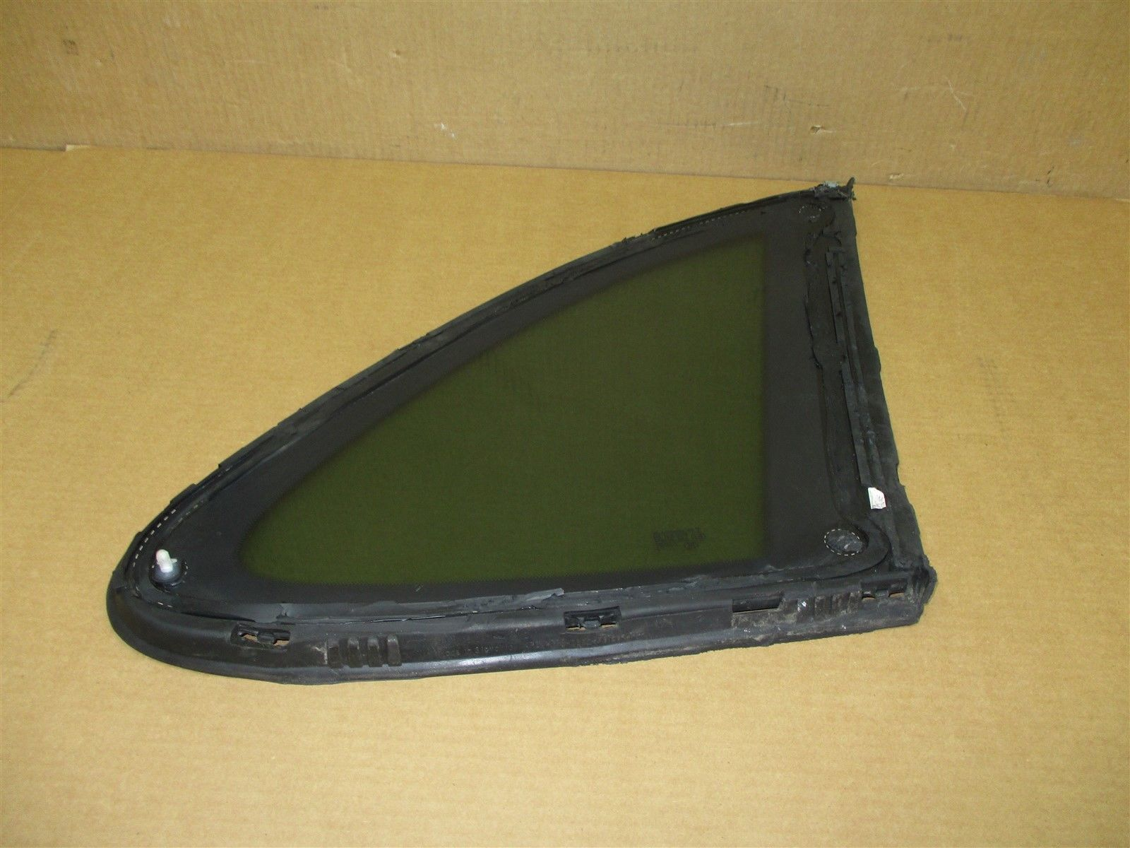 17 Cayenne Turbo AWD Porsche 958 L REAR DOOR WINDOW 43R-002092 DRIVER 9,356