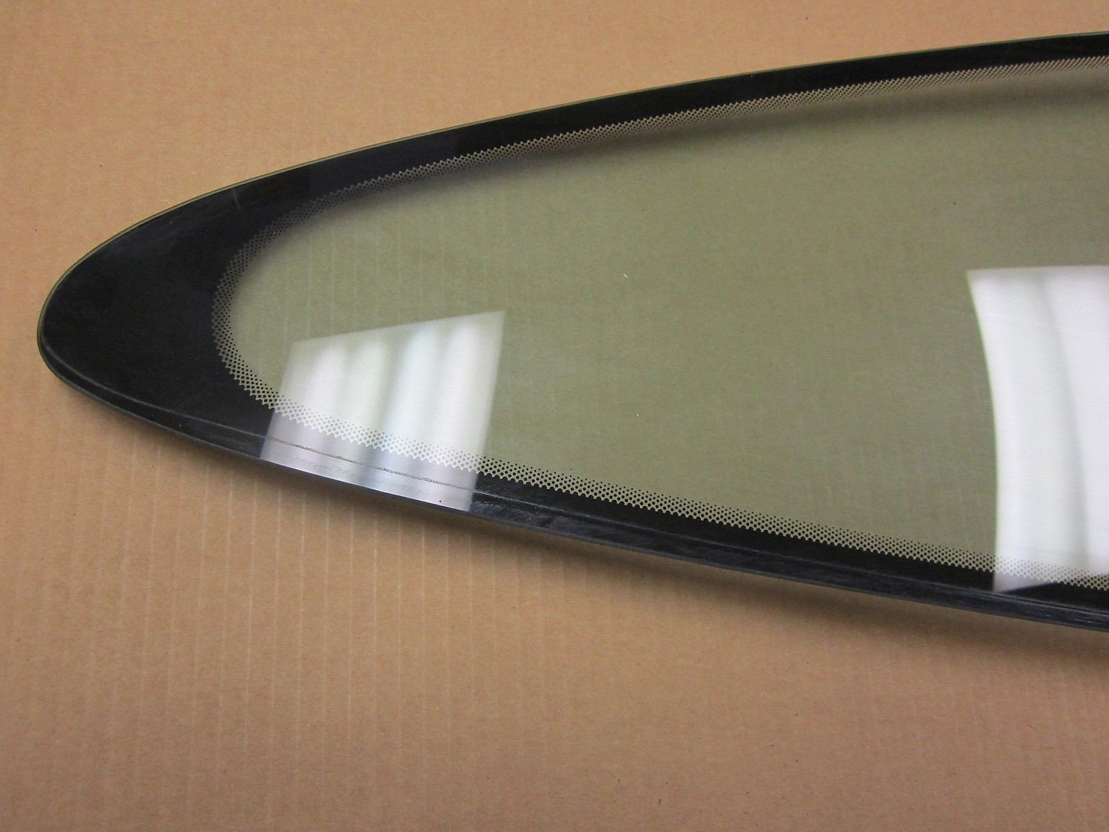 2001 Porsche 911 Carrera 01 Coupe 996 Passenger Rear Quarter Window Glass 28,883