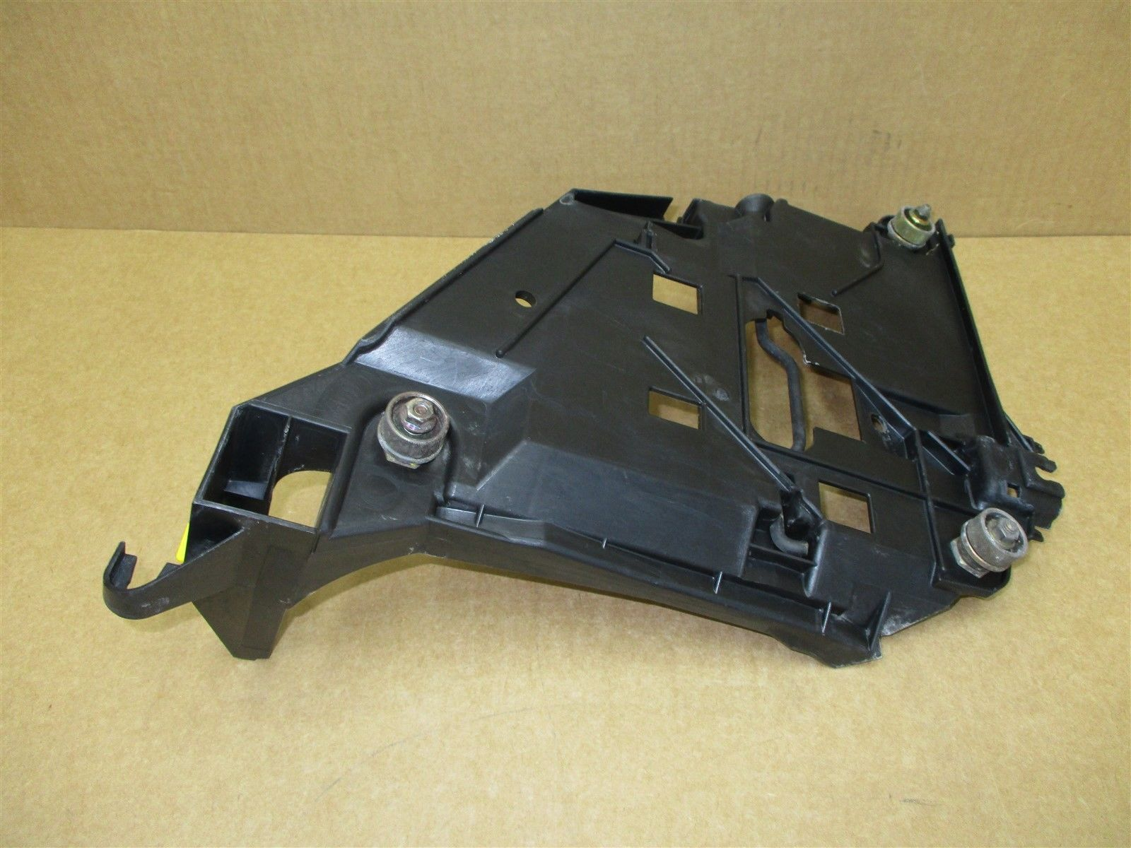 98 Boxster RWD Porsche 986 L HEADLIGHT MOUNTING BRACKET 99663104100 95,703