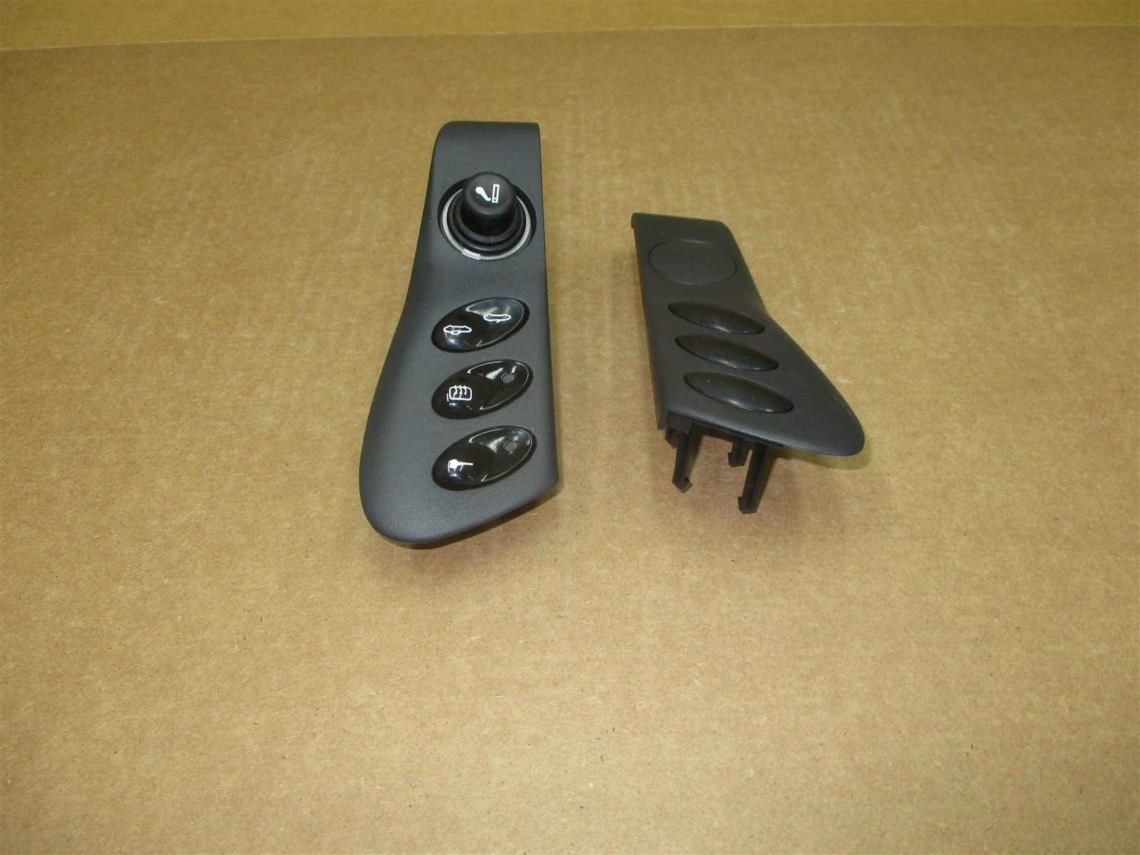 99 Boxster RWD Porsche 986 CONSOLE TRIM SWITCHES 98655223300 98655223400 77,632