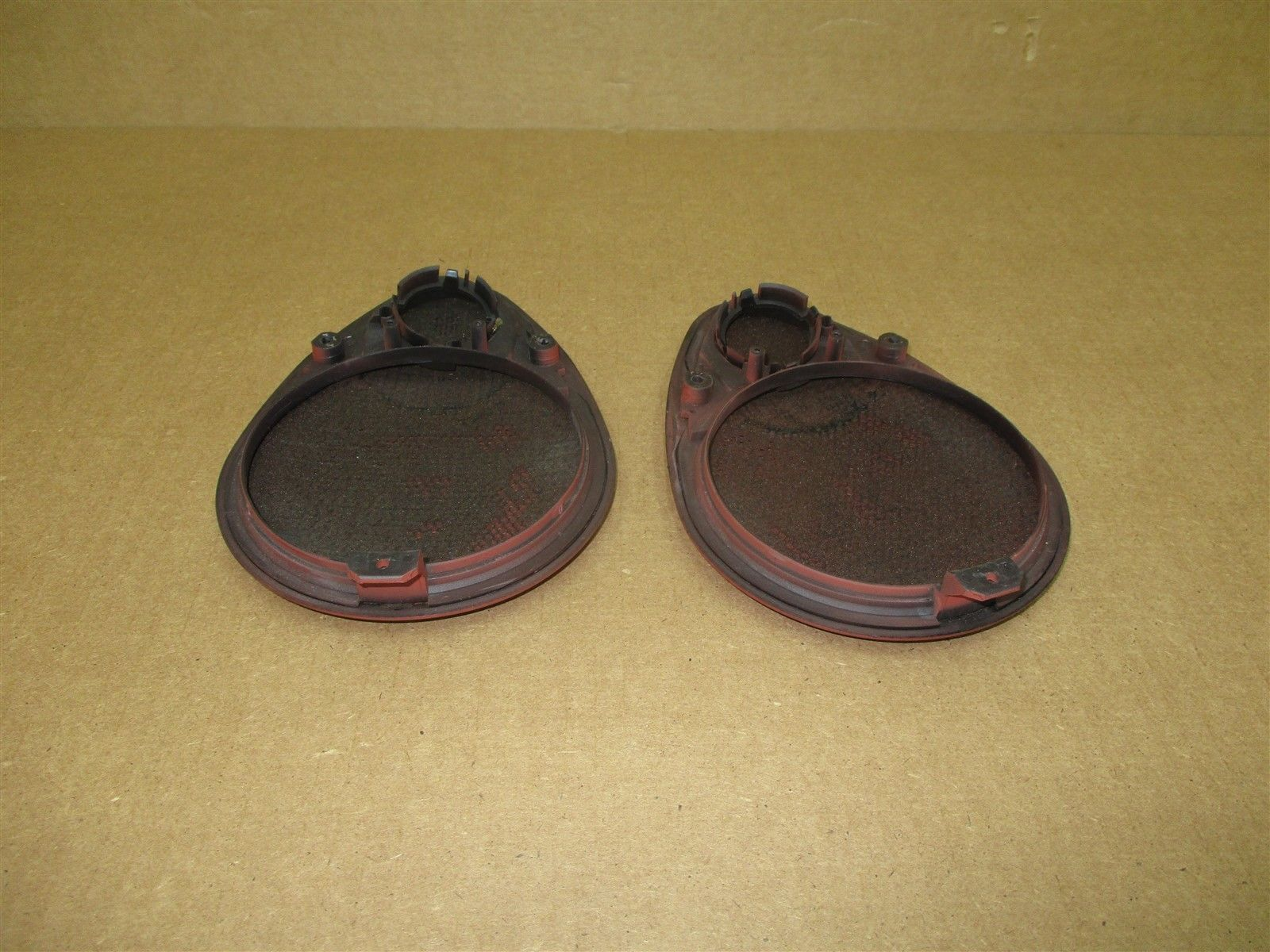 99 Carrera 4 911 RWD Porsche 996 Cabrio L R REAR SPEAKER TRIMS INTERIOR 141,866