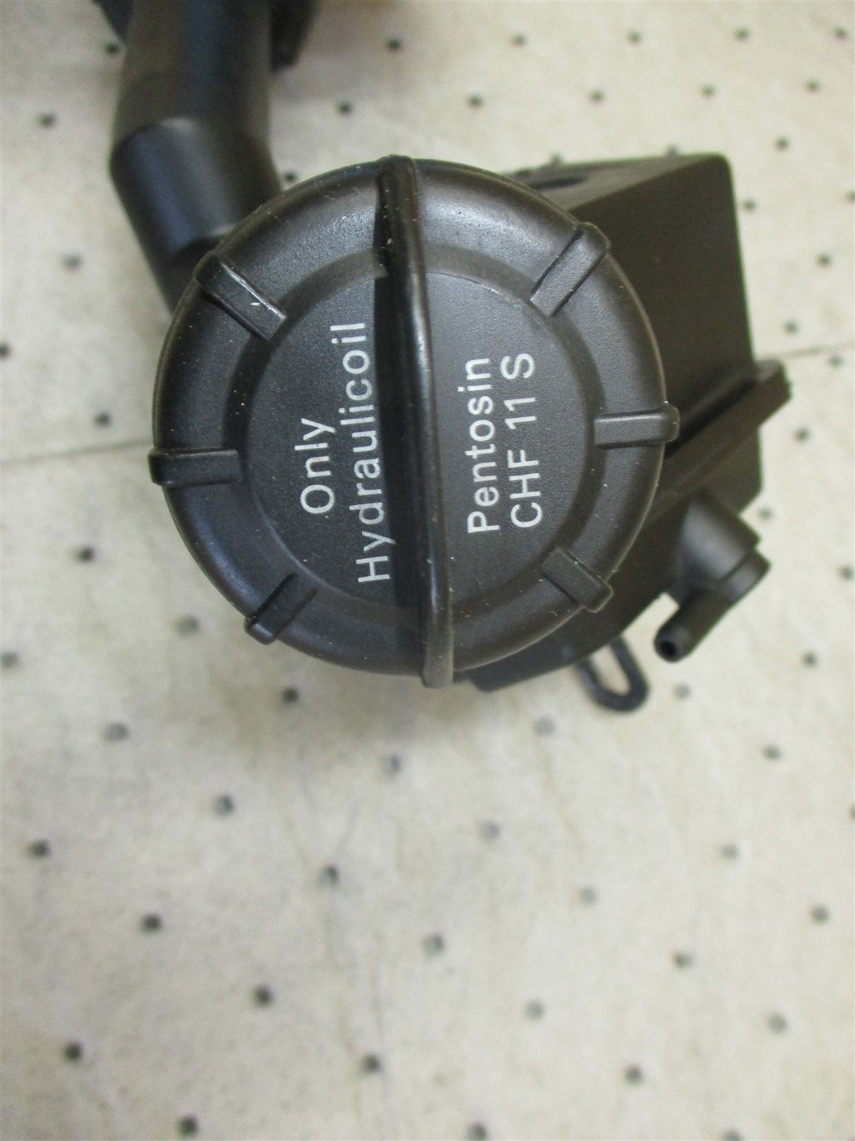 99 Carrera 911 Porsche Engine 3.4 POWER STEERING RESERVOIR 99631422501 92,499