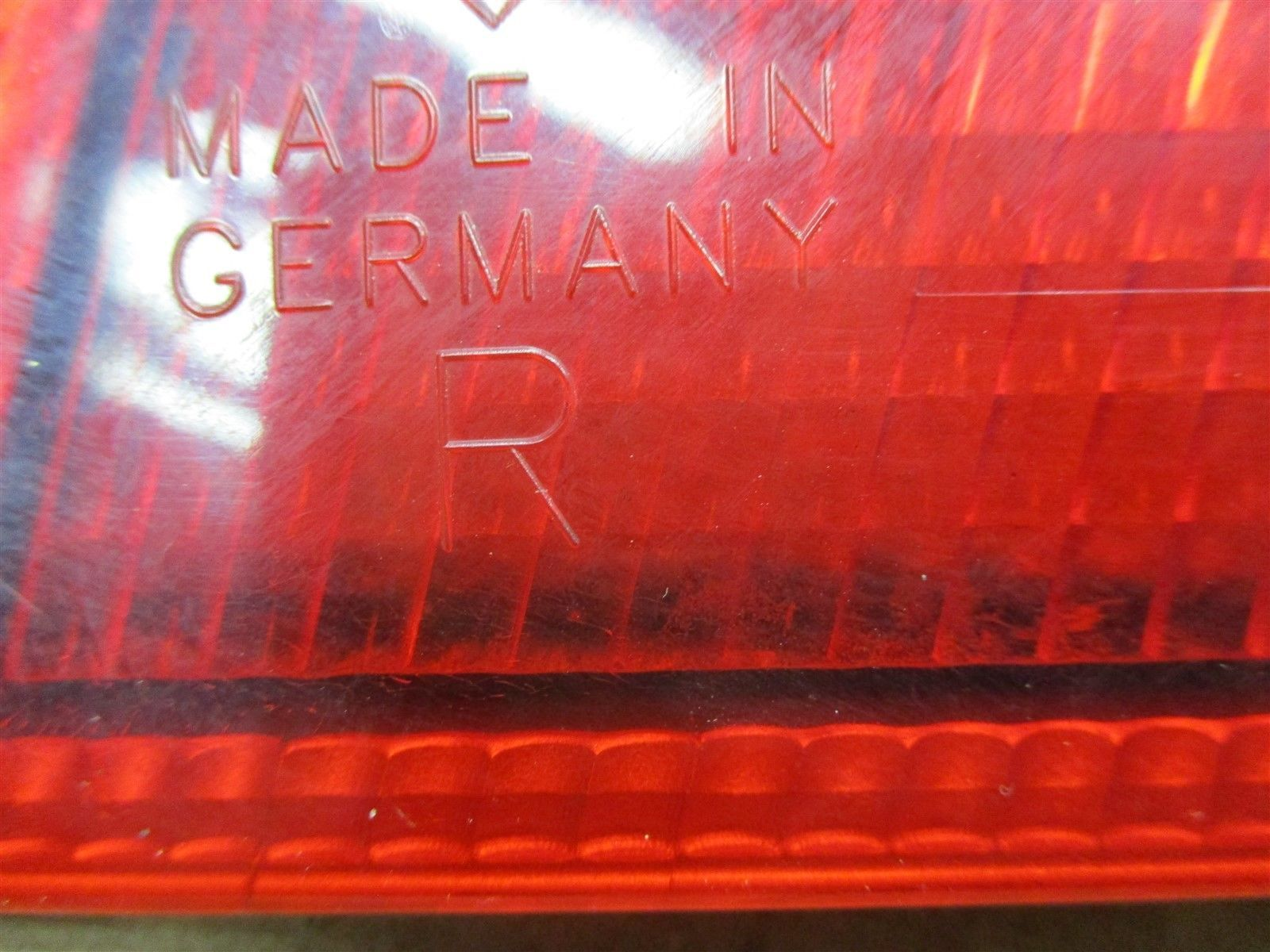 99 Carrera 911 RWD Porsche 996 Coupe R TAILLIGHT TAIL LIGHT PASSENGER 56,994