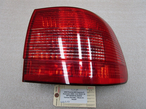 04 Cayenne S AWD Porsche 955 R REAR TAIL LIGHT TAILLIGHT 146,861