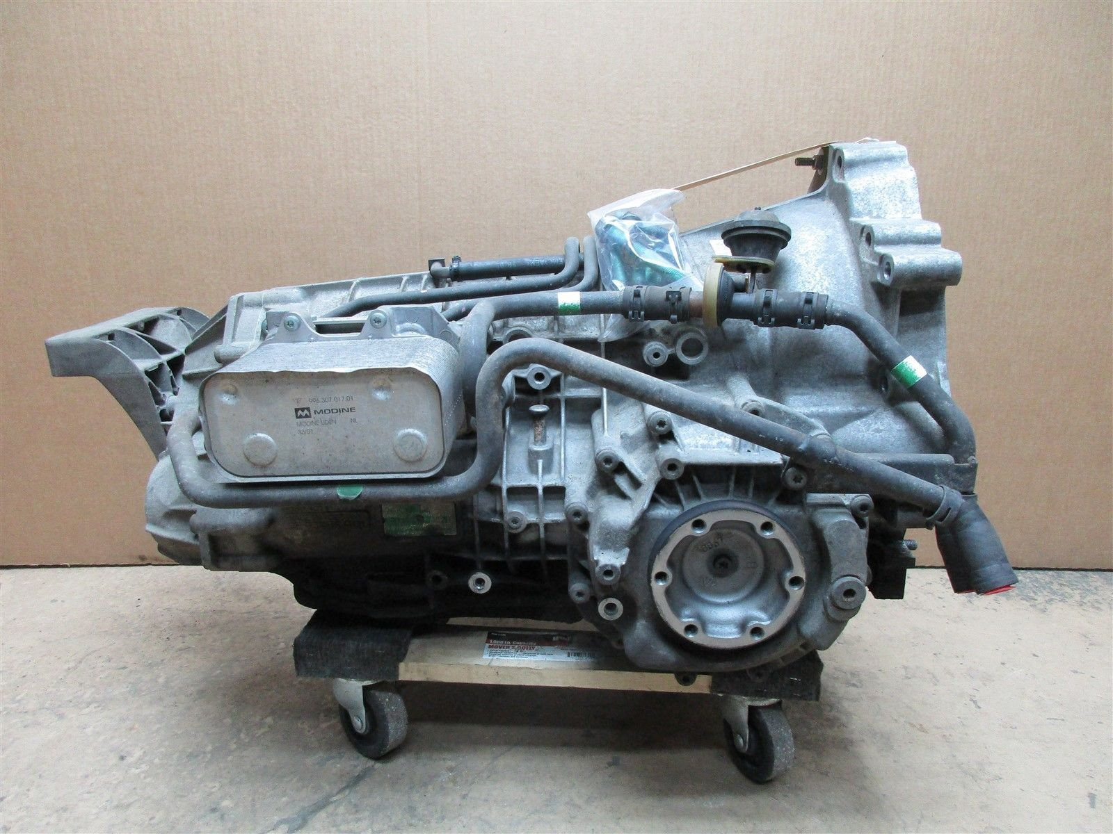 02 Boxster S RWD Porsche 986 AUTOMATIC TRANSMISSION 1060030030 5HP-19 84,984