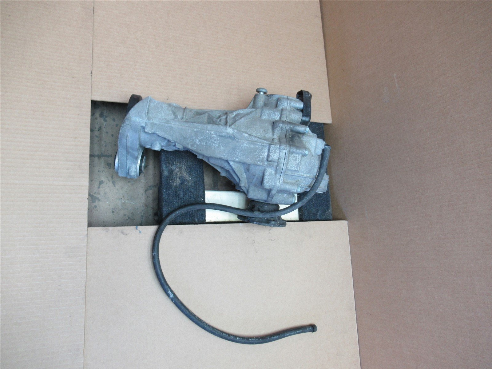 04 Cayenne Turbo AWD Porsche 955 FRONT DIFFERENTIAL 4460310020 4460310021 41,010