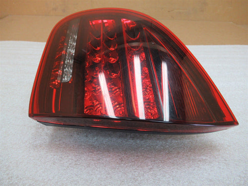 13 Cayenne GTS AWD Porsche 958 R REAR SIDE INNER TAILLIGHT 7P5945094S N/A A71672