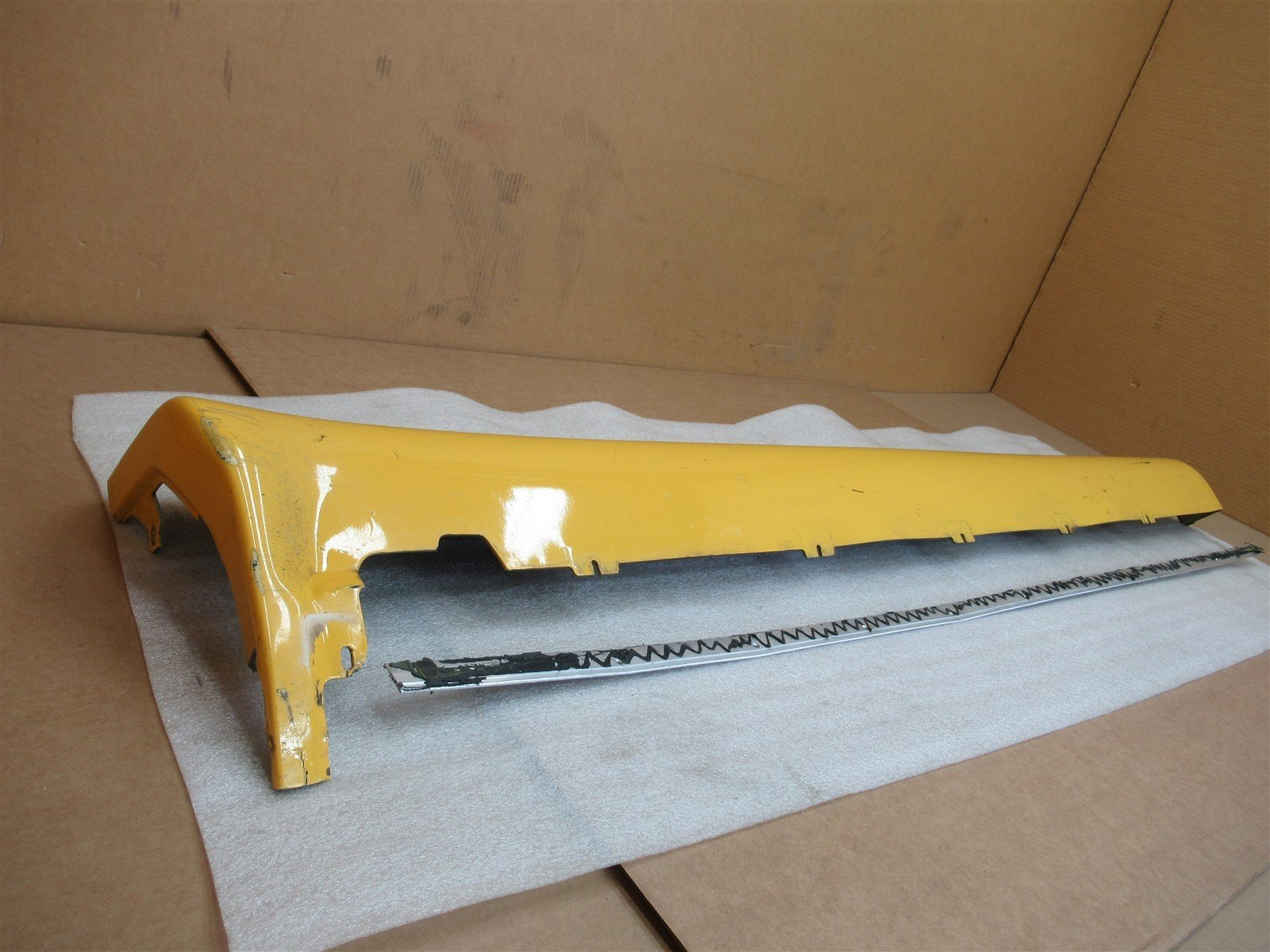 Porsche SIDE SKIRT ROCKER SIDE PANEL TRIM 98655998100