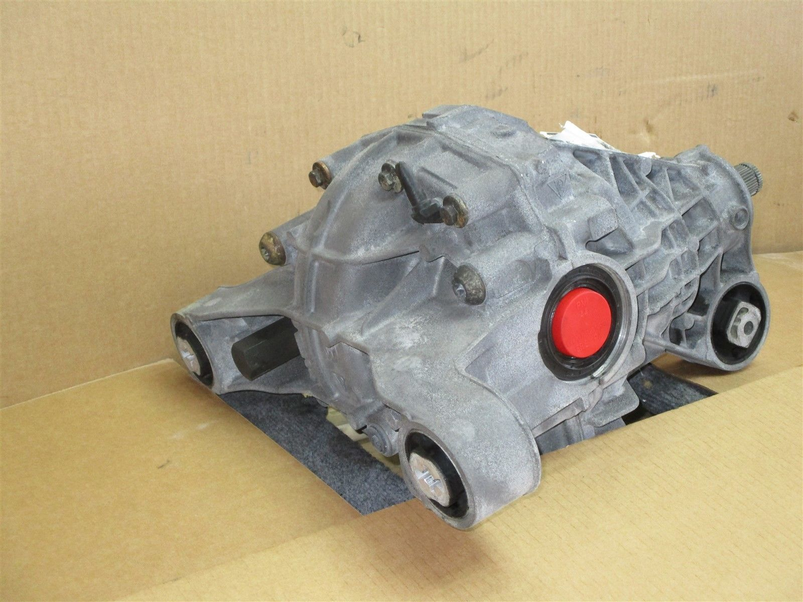17 Cayenne Turbo AWD Porsche 958 REAR DIFFERENTIAL 0BN525018F 9,356