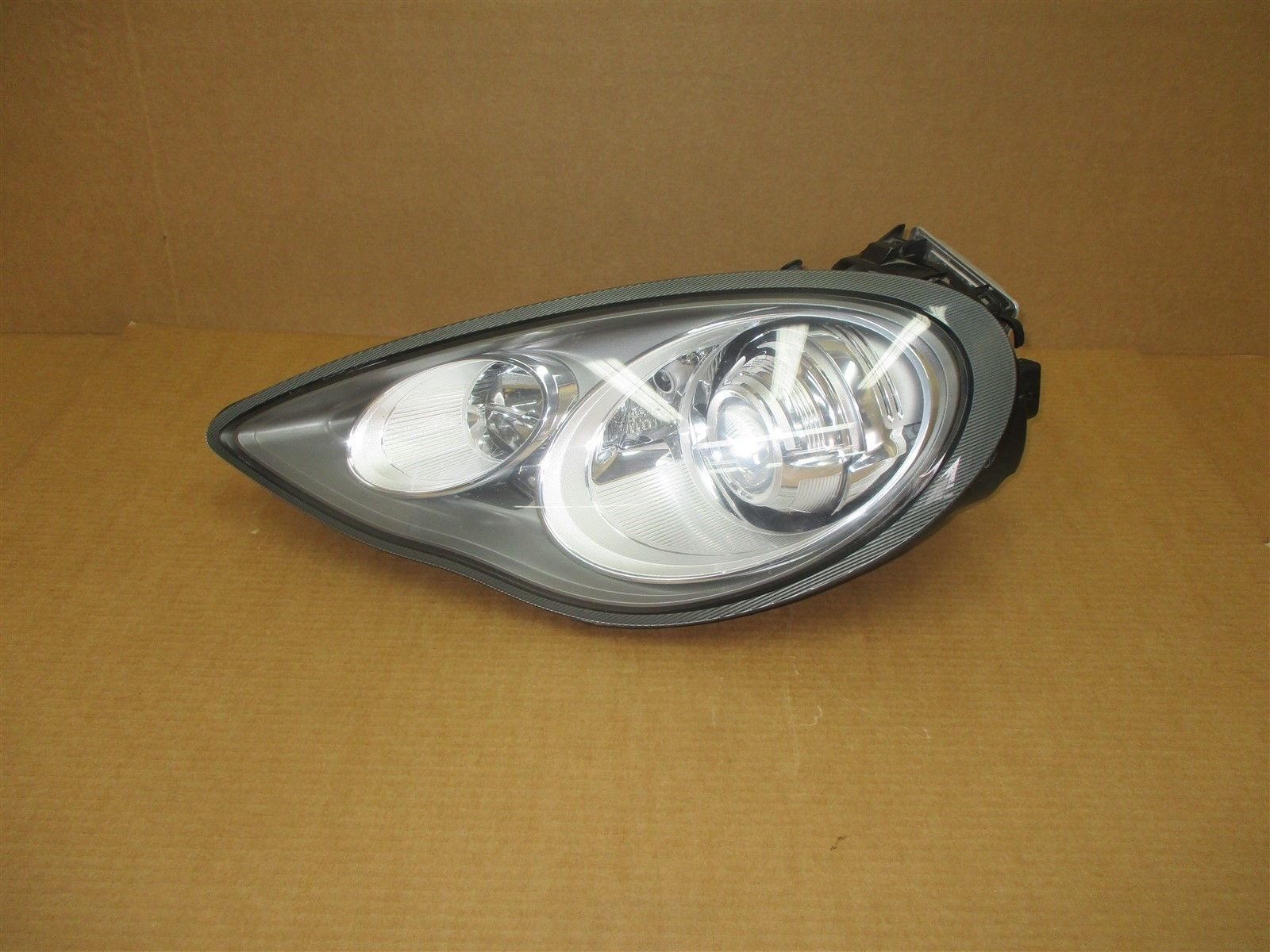 11 Panamera 4S AWD 970 Porsche L XENON HEADLIGHT 97063106925 HEAD LIGHT 92,629