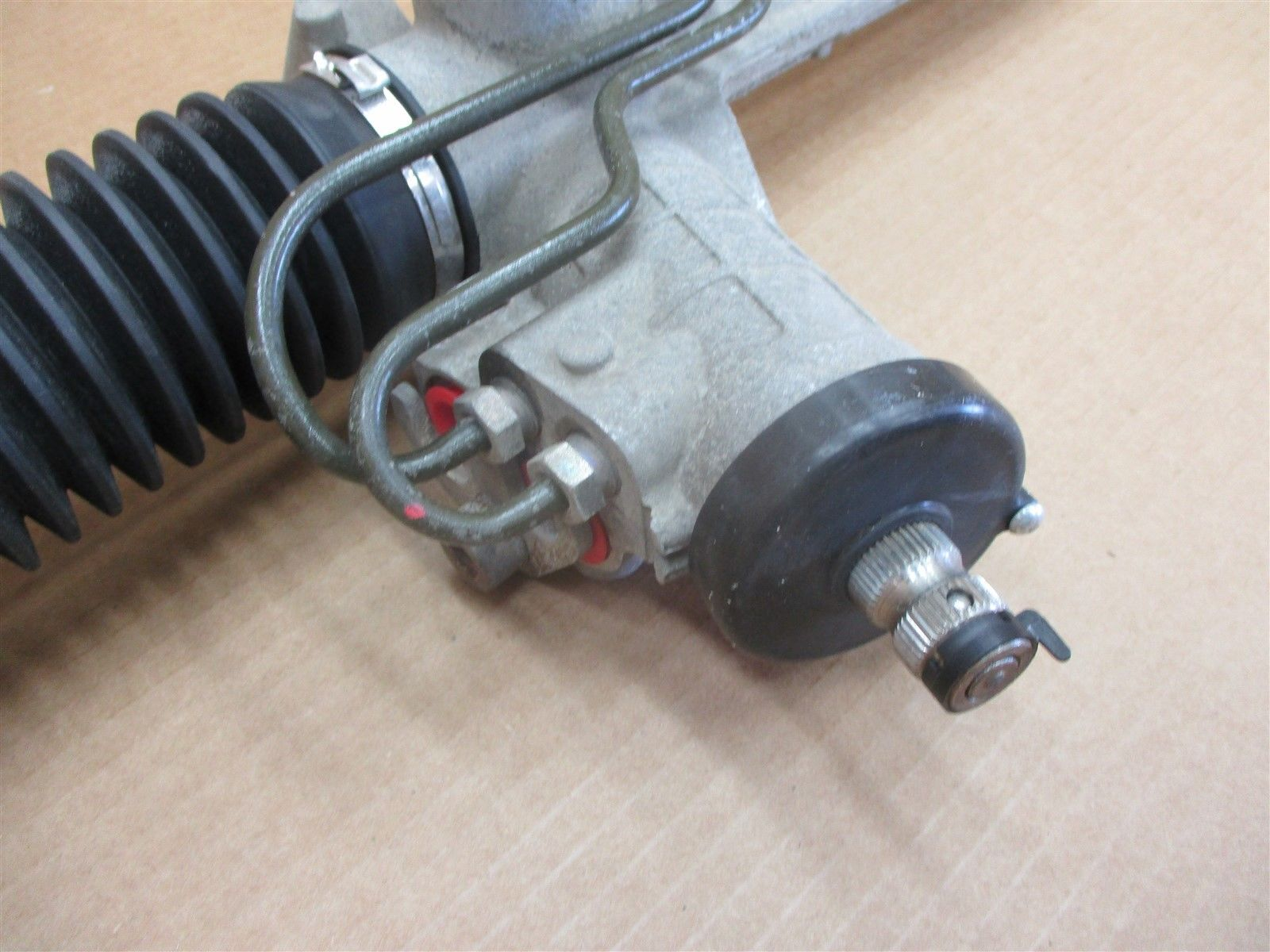 98 Boxster RWD Porsche 986 PINION POWER STEERING RACK 99634701105 60,666