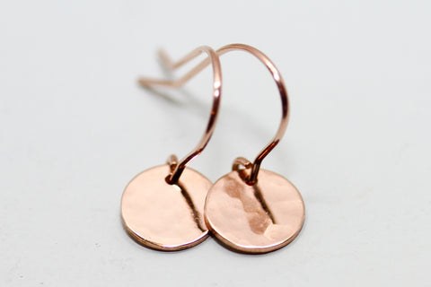 Petite hammered disc earrings - Sea and Cake