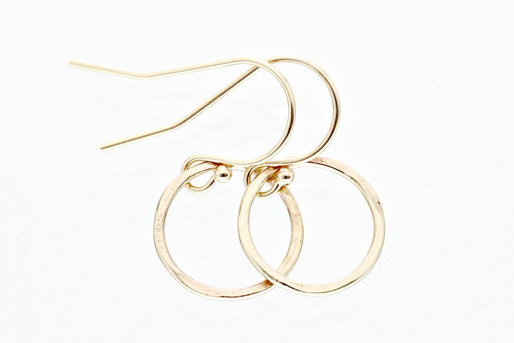 Solid gold circle earrings - Sea and Cake