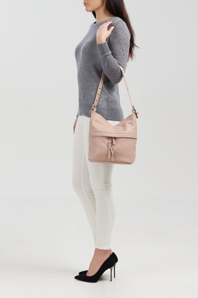 Ladies Grained Leather Tag Fastened Bag