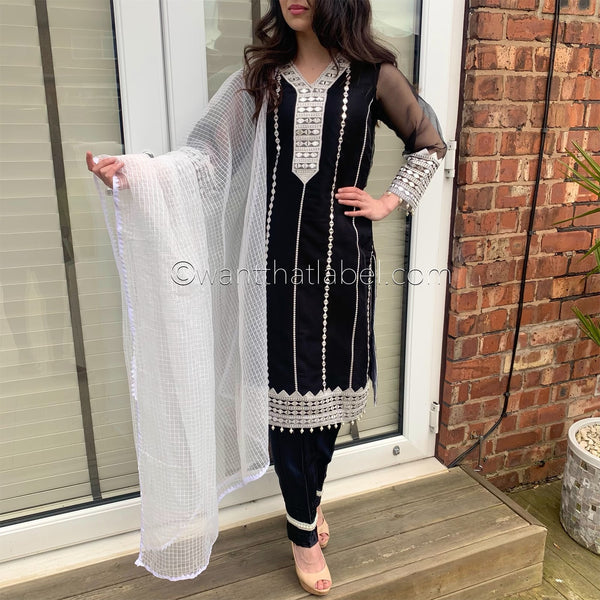 Agha Noor Inspired Black Mirror Embroidered Organza Suit