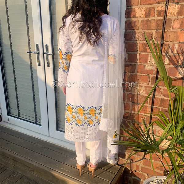 Farida Hassan Inspired White Chikankari Suit