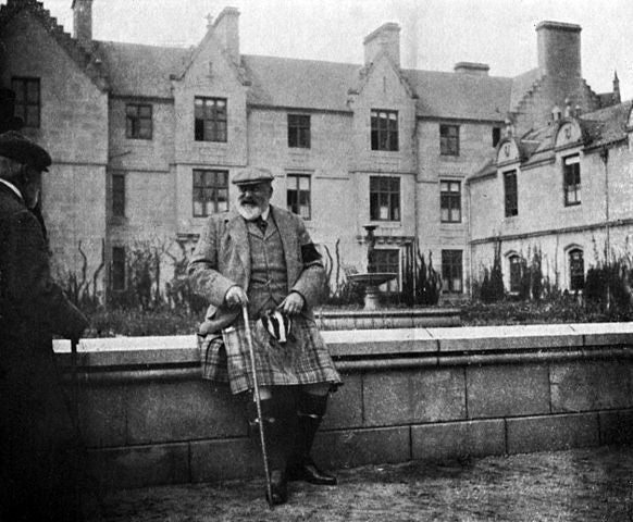 http://commons.wikimedia.org/wiki/File:EdwardVII_at_Balmoral.jpg